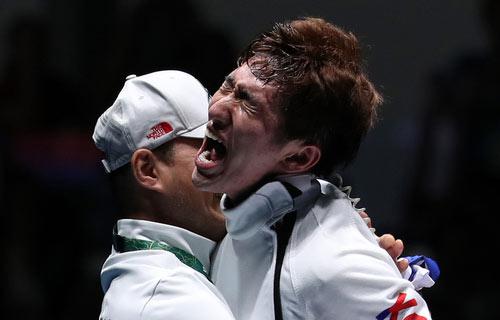 韩国击剑选手朴相泳夺男子重剑个人金牌