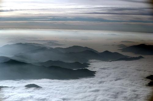 El monte Taebaek cubierto por las nubes
