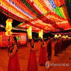 Шествие с фонарями в храме Чогеса