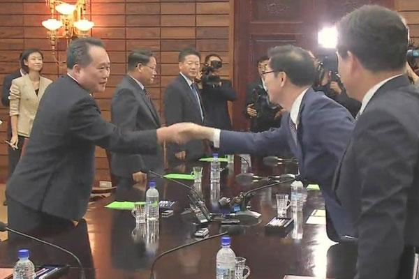 Las dos Coreas celebrarán la tercera cumbre en septiembre