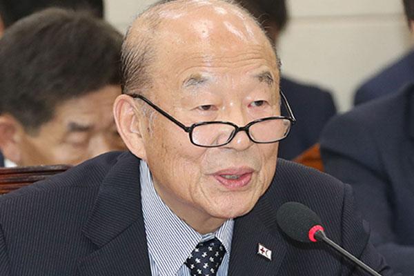 朴庚绪:南北韩红十字会商讨离散家属视频会面问题