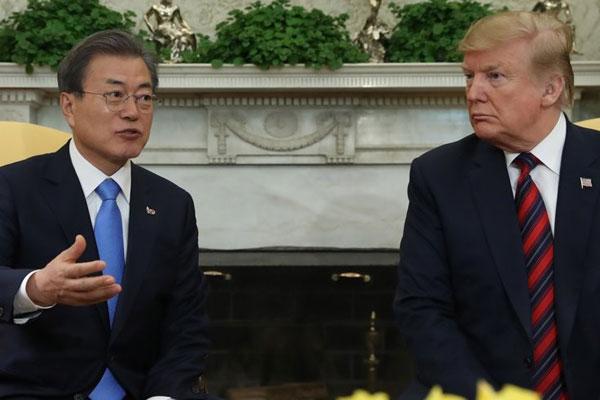 Moon und Trump diskutieren über Korea-Gipfel zur Lösung der Nuklearfrage