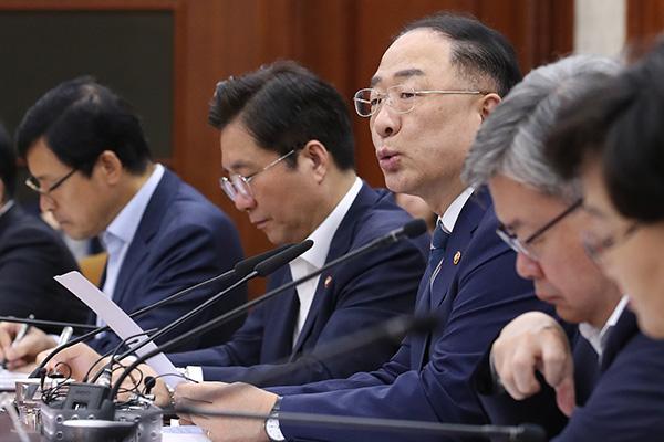 Правительство РК стремится остановить экономический спад