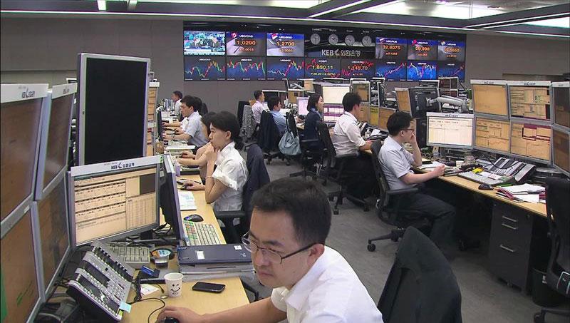 総合株価指数 44か月ぶりに2100上回る