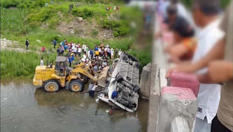 中国でバス転落事故 研修中の韓国人10人死亡
