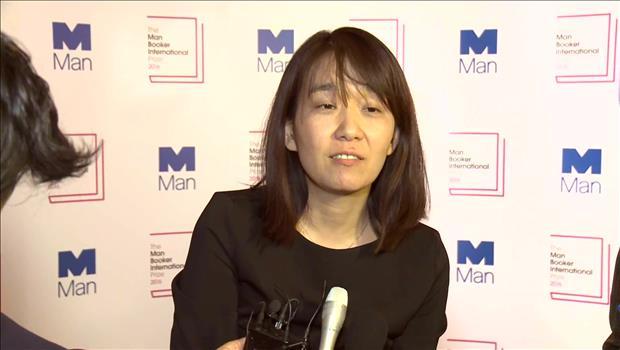 女性作家・韓江さん 国際ブッカー賞を受賞