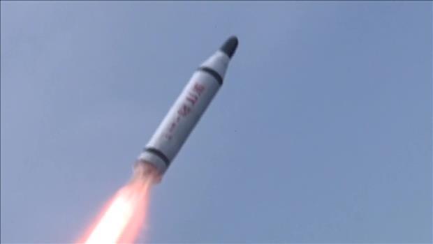 北韩向韩半岛东部海域发射一枚潜射导弹