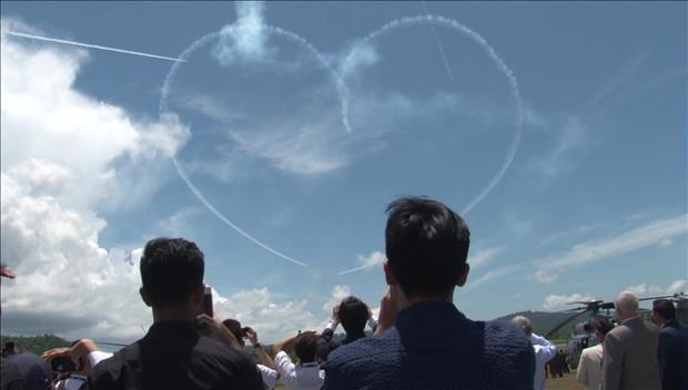 S. Korea's Black Eagles Promote S. Korean Jets at LIMA Exhibition