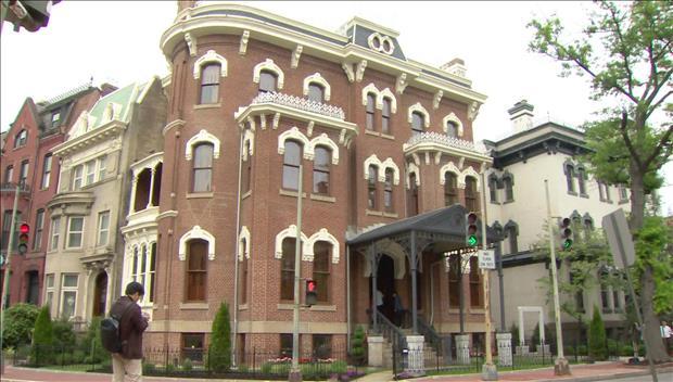 Moon Jae-in visite l'ancien bâtiment du consulat de l'Empire coréen à Washington
