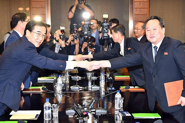 남북고위급회담에서 3차 정상회담을 평양에서 개최하기로 합의