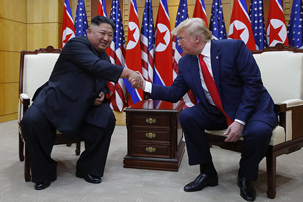 كوريا الشمالية تقترح إجراء محادثات على مستوى العمل مع الولايات المتحدة