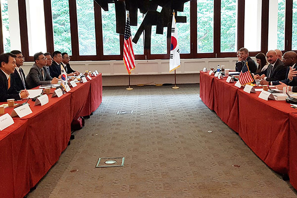 Переговоры о распределении оборонных расходов между РК и США
