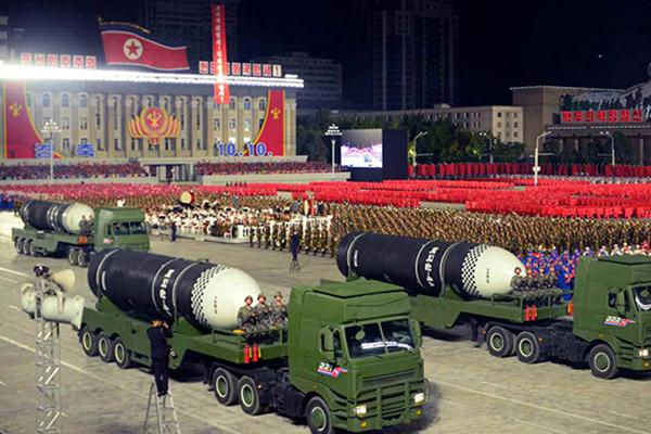 북한 노동당 창건 75주년 기념 열병식