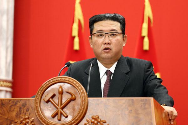Nordkorea organisiert Ausstellung von Waffensystemen