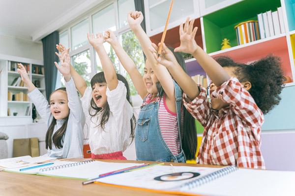 Über die Bildung. Folge 1: Im Kindergarten – wo Spielen noch erlaubt ist