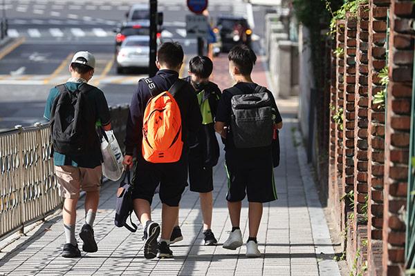 疫情下韩国各级学校开学情况