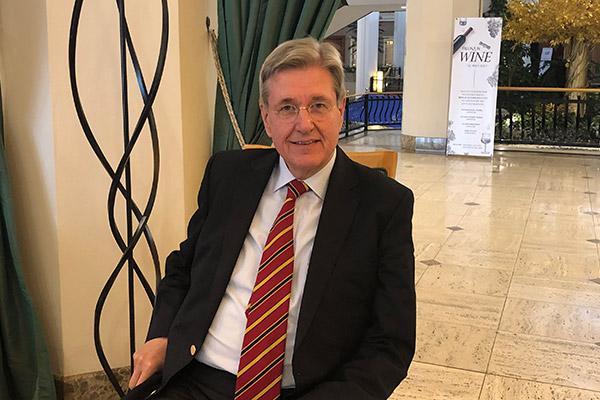 Dr. Christoph Hollenders - Brückenbauer zwischen Deutschland und Korea