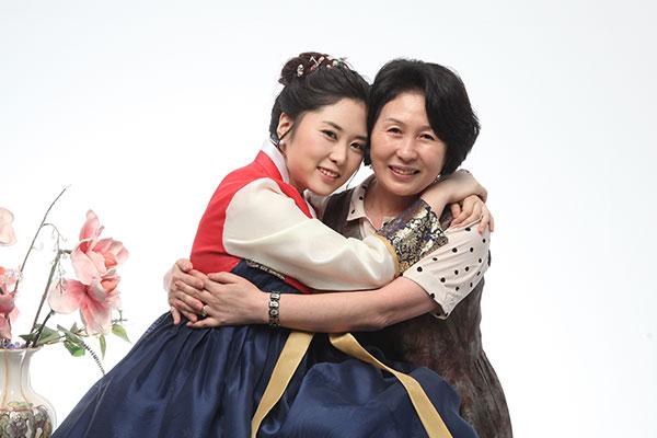 Le hanbok, une passion transmise de mère en fille