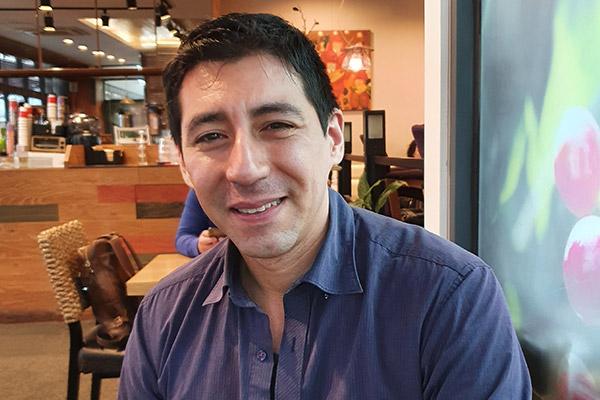 Emilio Andrés Araya: El tango es para mí un modo de vivir, de tener experiencias con la música y con la gente