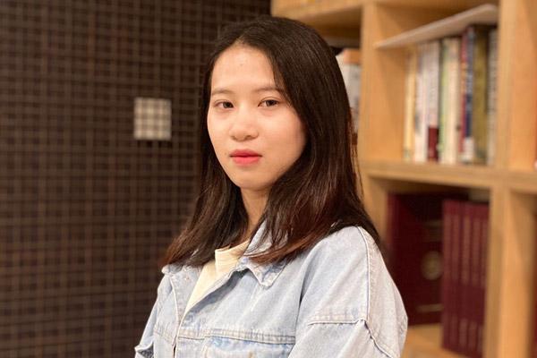 Trò chuyện cùng sinh viên người Việt đầu tiên của Trường Cao học Anh ngữ Quốc tế