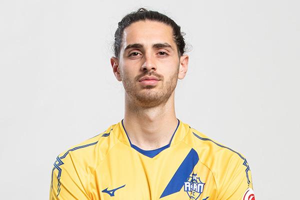 Wieder am Ball - Fußballspieler Armin Mujakic