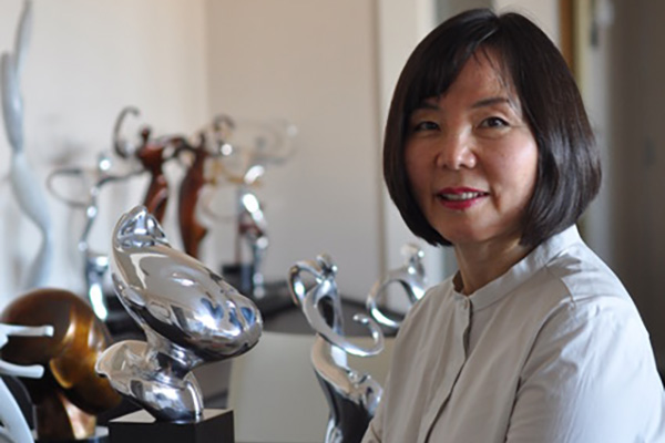 Kay Woo: Nunca imaginé que traduciría la guía del Prado