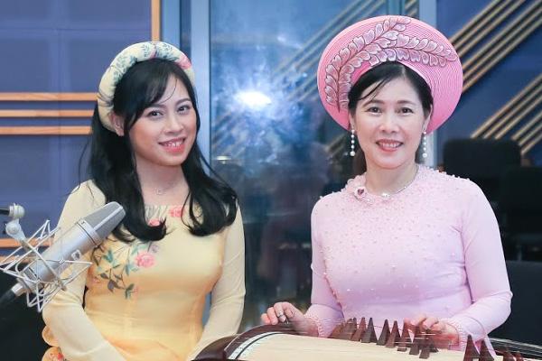 Giáo viên song ngữ gốc Việt tích cực quảng bá nhạc cụ dân tộc Việt Nam tại Hàn Quốc