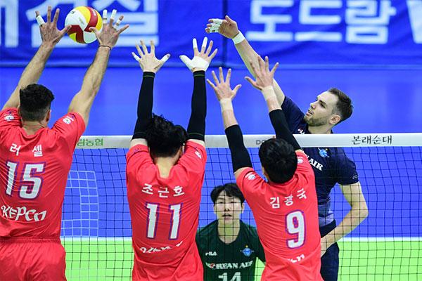 Andrés Villena: Corea vive el voleibol como un espectáculo, se disfruta mucho