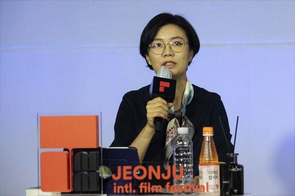 Sung Moon: El cine me hace pensar, reír y llorar, me conecta con la vida de otros