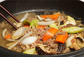 Cook the well-mixed ingredients in the heated frying pan and place on a plate when done.