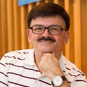 Валерий Суриков