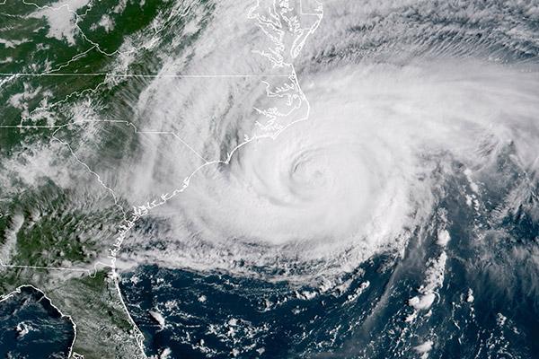 ¿Por qué aumenta la potencia de huracanes y tifones?