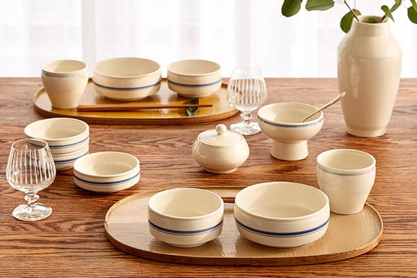 Cheongsong Baekja ist spezialisiert auf weißes Porzellan