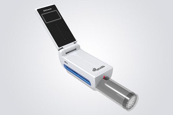 肺の健康を守るためのデバイスとアプリを開発した「ブレーシングス」