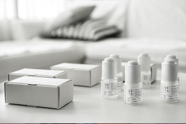 化粧品メーカー「リリーカバー」
