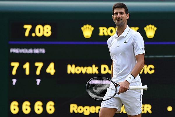Djokovic y Federer juegan una histórica final en Wimbledon