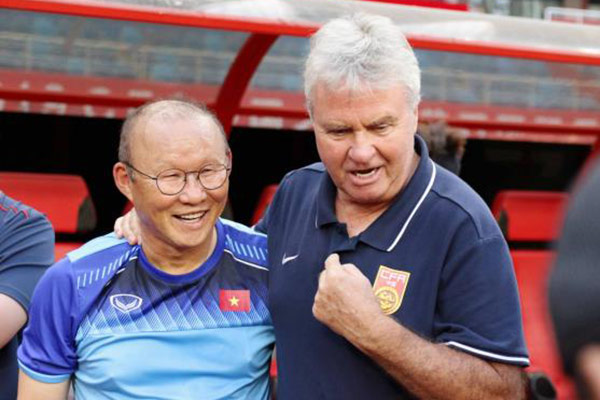 "Park Hang Seo ""bate"" como director técnico a Guus Hiddink"
