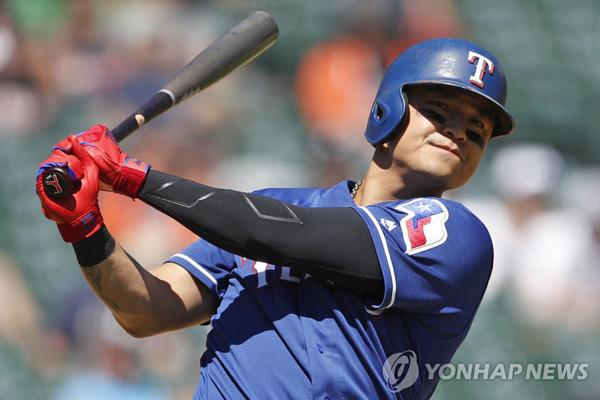 Baseballspieler Choo Shin-soo erneuert Base-On-Vereinsrekord bei Texas Rangers
