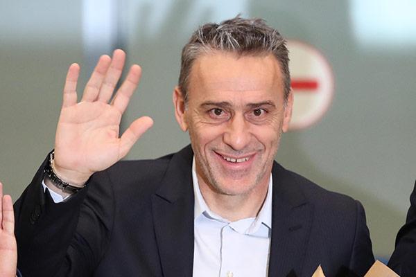 保罗·本托出任韩国男足主教练