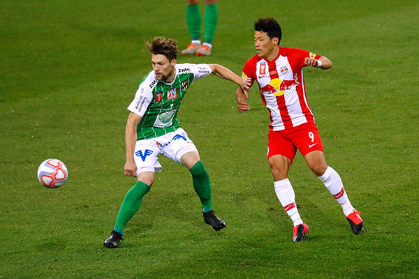 Hwang Hee-chan bereitet beim ÖFB-Cup-Finalsieg des FC Red Bull Salzburg Treffer vor