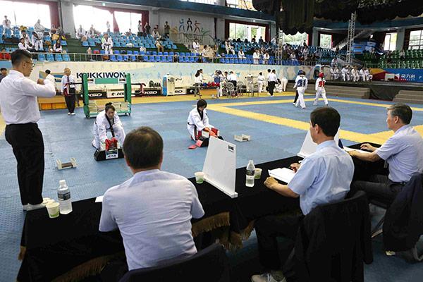 Kukkiwon nimmt Prüfung für die höheren Taekwondo-Grade wieder auf