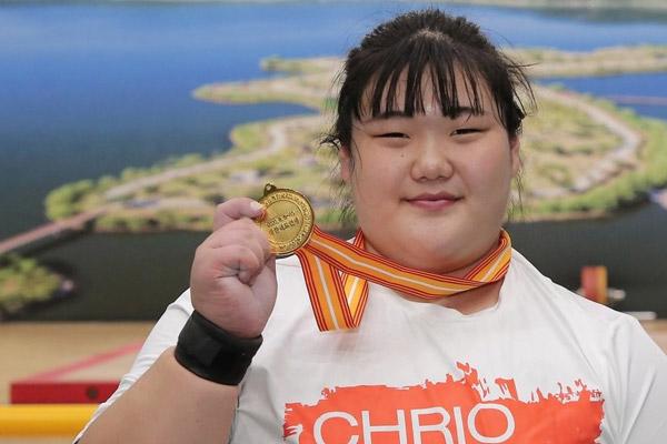 Gewichtheberin Park Hye-jeong verbessert Juniorenrekord im Stoßen