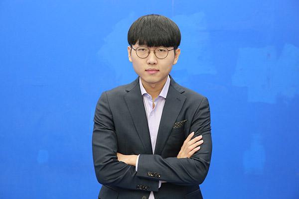 Go-Profi Shin Jin-seo gewinnt erstes Halbfinal-Duell des Ing Cup