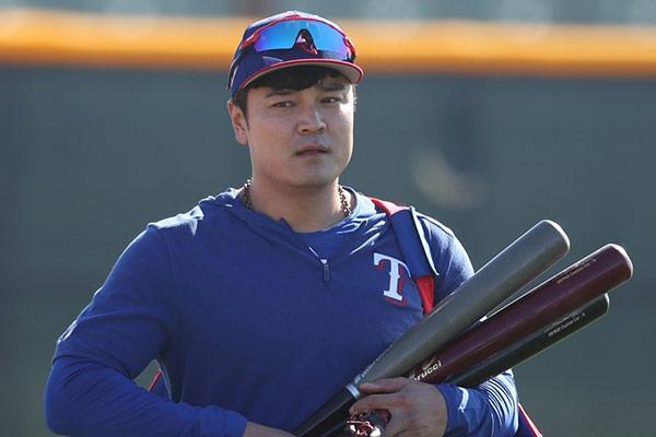 Baseball-Profi Choo Shin-soo unterstützt Spieler der Minor-League mit Spende