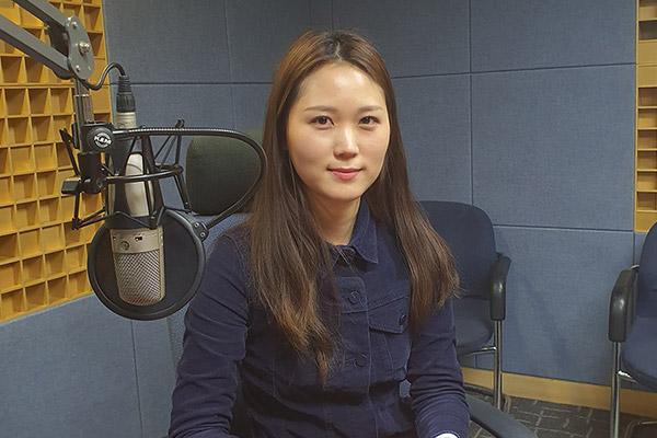 Консультант- переводчик Центра Номо Мун Хи Вон