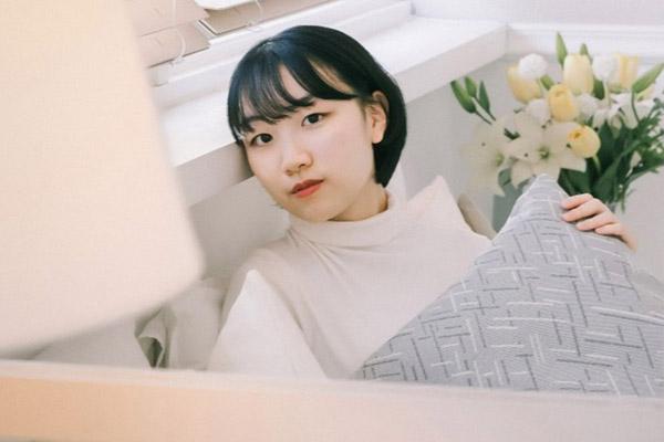 Студентка университета Сонгюнгван Сон Чхэ Рин